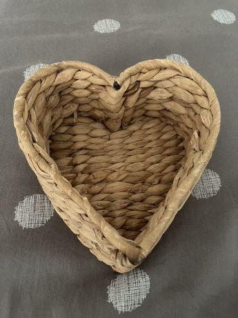 Pleciony koszyczek serce