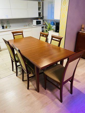 Stół + 6 krzeseł + dodatki