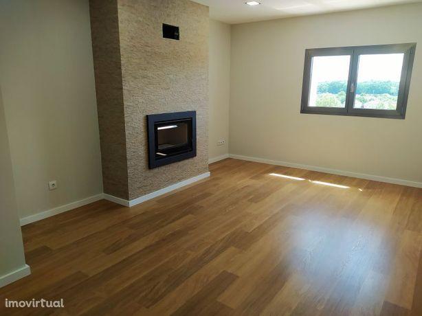 Apartamento novo T2 e garagem na cidade de Tomar