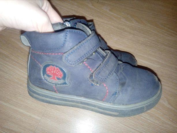 Б/у осенние ботинки на флисе по стельке 16,5 см отдам за киндер