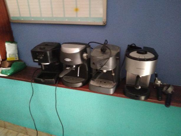 Máquinas de café a funcionar ou peças