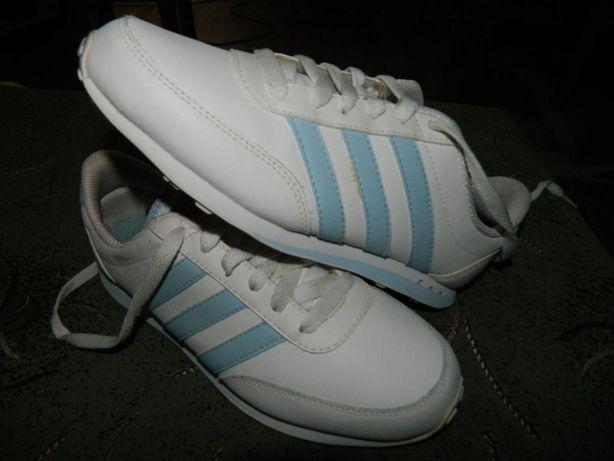 Кроссовки Adidas (оригинал) фирменные размер-37 стелька- 23см.