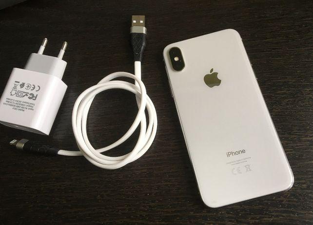 Apple iPhone X 64Gb Silver + комплект
