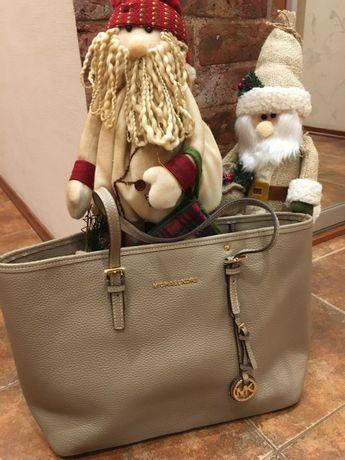 Роскошная кожаная бежевая сумка Michel Cors