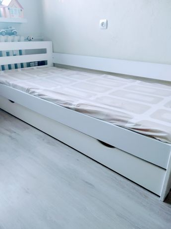 Łóżka dziecięce z materacami