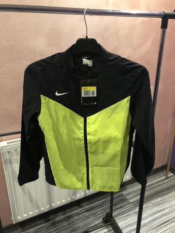 Bluza przeciwdeszczowa Nike. Nowa. R:128-137.