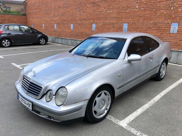 Mercedes-Benz CLK 230 W208