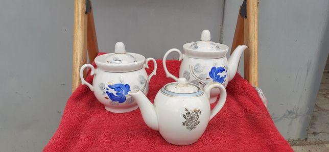 Фарфор чайник 2 штуки і сахарнік