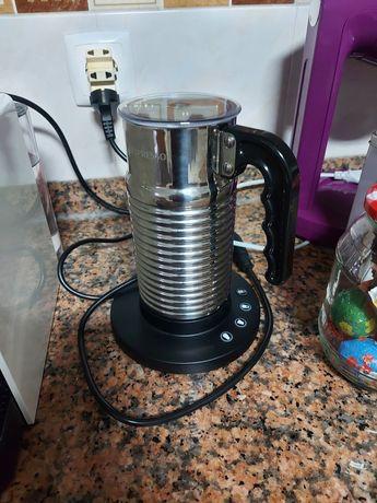 Máquina Nespresso Aeroccino 4