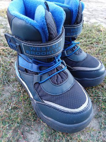 Продам обувь зимнию 28размер