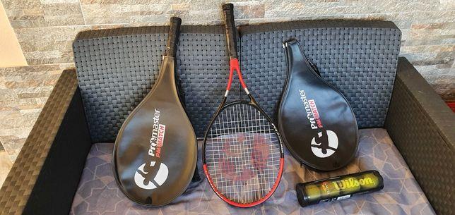par de raquetes  com as respetivas bolas