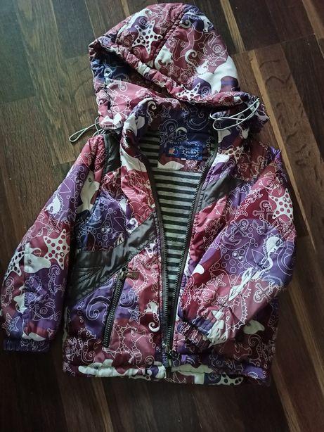 Продам детскую осеннюю куртку
