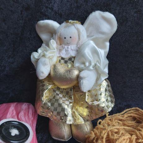 Ангел и старые куклы