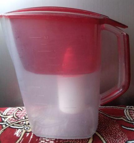 Кухонный кувшин для очистки вода, состояние отличное