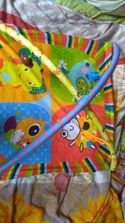 Практически новый коврик для ребенка