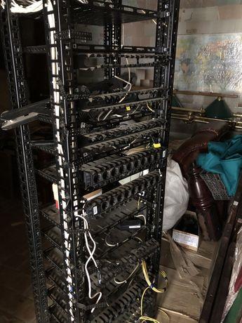 Серверна стійка