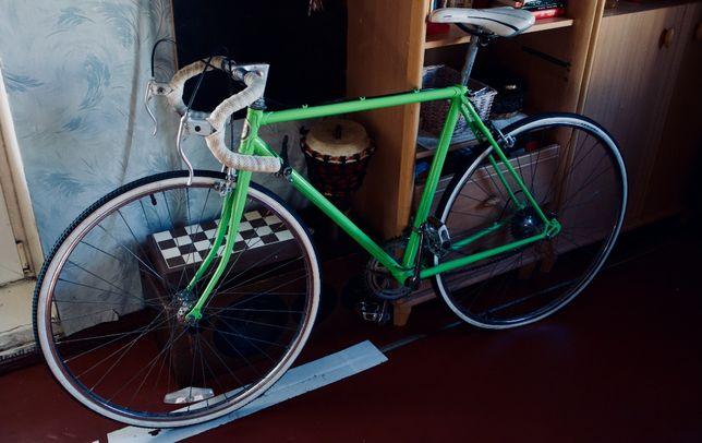 Шоссейный велосипед Emmelle Clipper GT12