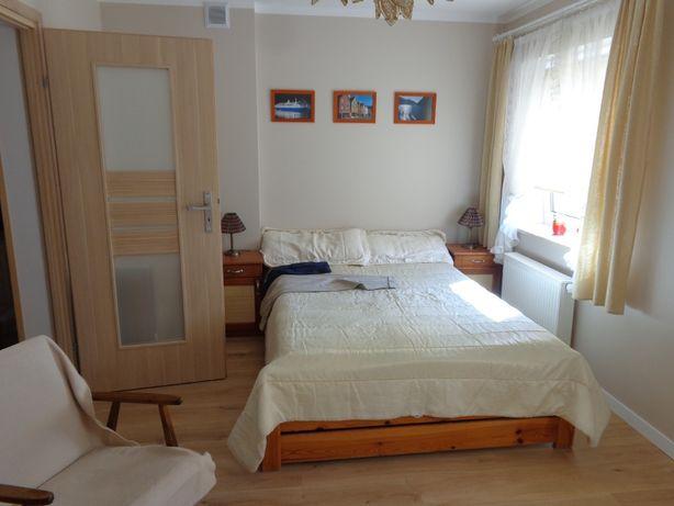 Wynajmę nowe mieszkanie w Żukowie bez opłat polecam.