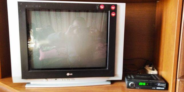 Телевізор LG в хорошому стані