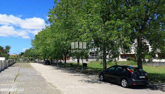 Venda de lote para construção com 315m², Meadela, Viana do Castelo