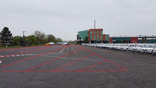 Plac pokryty asfaltem do wynajęcia