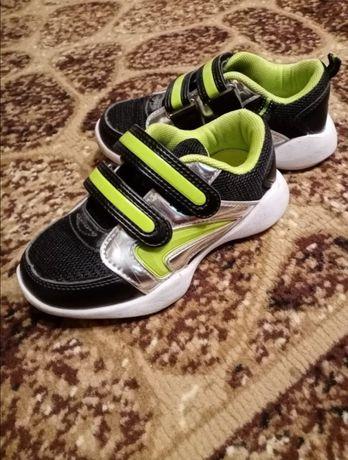 Кросівки 17,5 см
