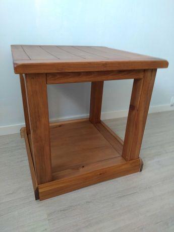 Drewniany stolik kawowy 53 cm x 53 cm x 53 cm Wayfair Brambly Cottage