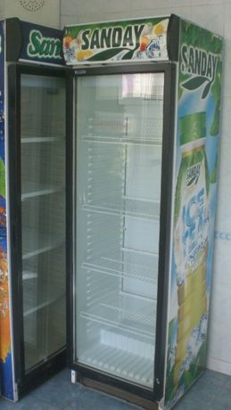 Холодильный шкаф 12000руб