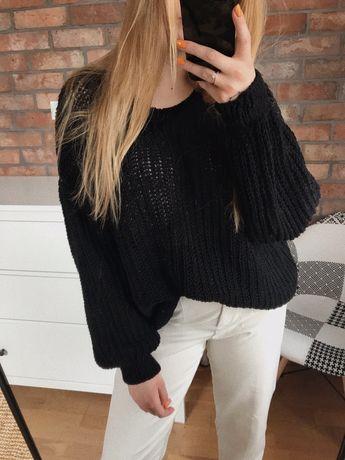 Czarny ażurowy sweter z dzianiny basic minimal oversize