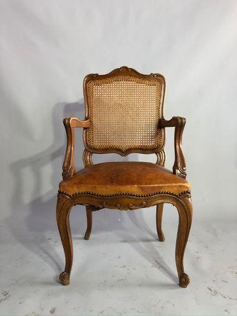 Fotel w stylu Ludwik. ( Francja)