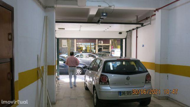 Garagem /Armazém -Centro de Lisboa