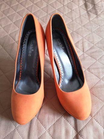 Szpilki czółenka Orange 40 mega kolor neon