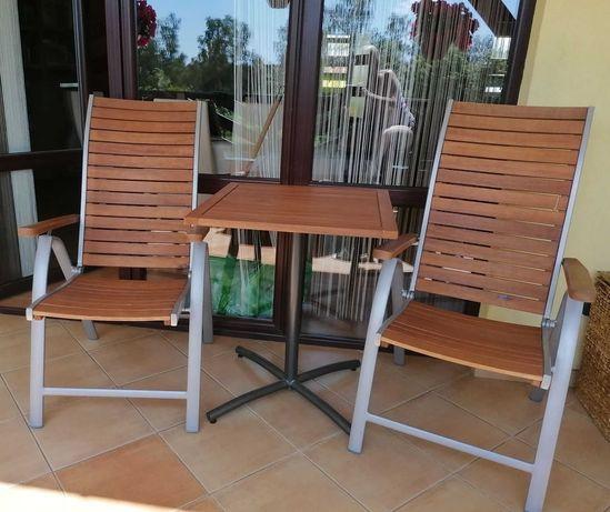 Stolik i dwa krzesła na taras