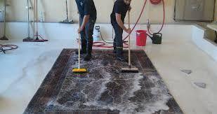 Професійна глибока чистка килимів та салону машини