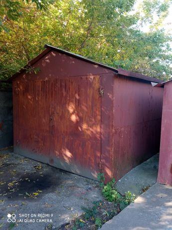 Продам гараж металевий з великим підвалом