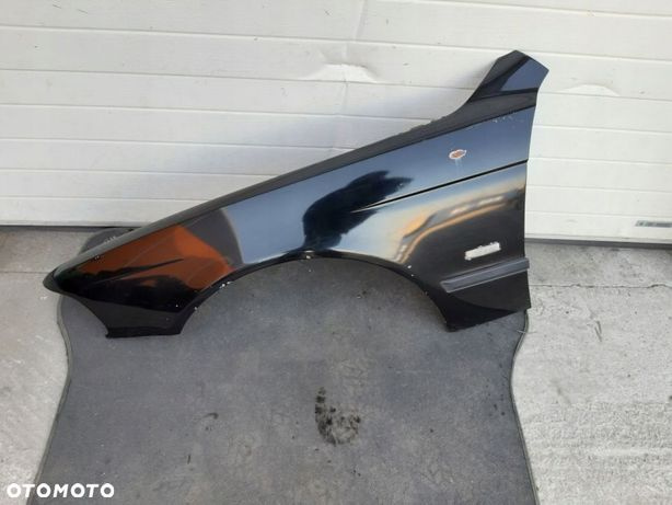 BMW E39 525D 00R BLOTNIK LEWY PRZOD SCHWARZ2 6689