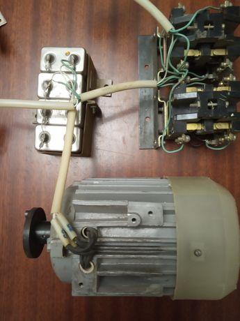 Электродвигатель 4ААМ50В2УЗ