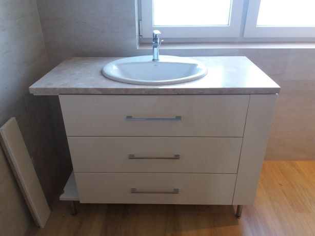 używane szafki do łazienki
