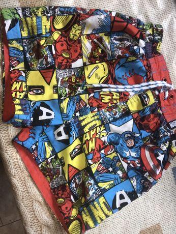Шорты с супергероями Marvel на мальчика 5 лет