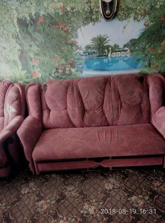 Угловой диван трансформер и два кресла