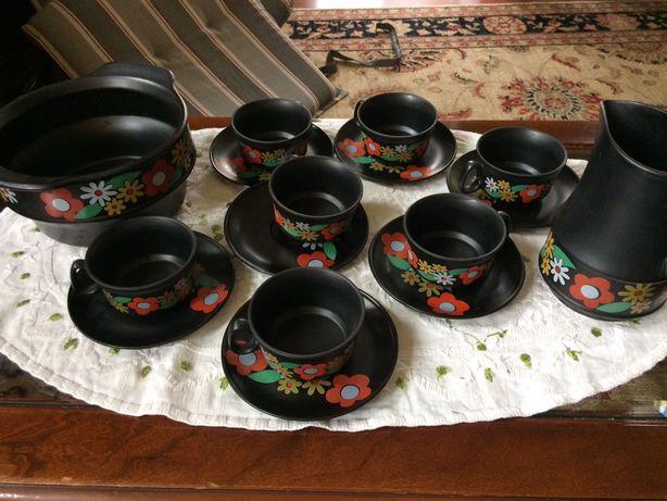 Komplet 7 filiżanek z waza i dzbankiem porcelana porcelit Pruszków