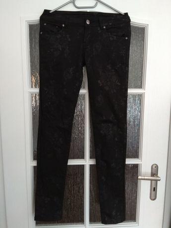 Spodnie damskie z motywem M38