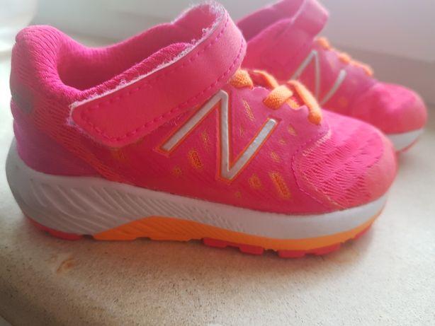 Кроссовки для девочки new balance
