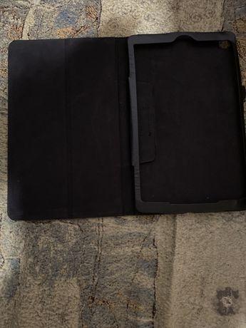 Продам чехол на планшет Samsung Tab A, 10.1