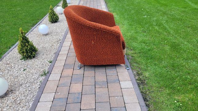 Wygodny fotel w dobrym stanie