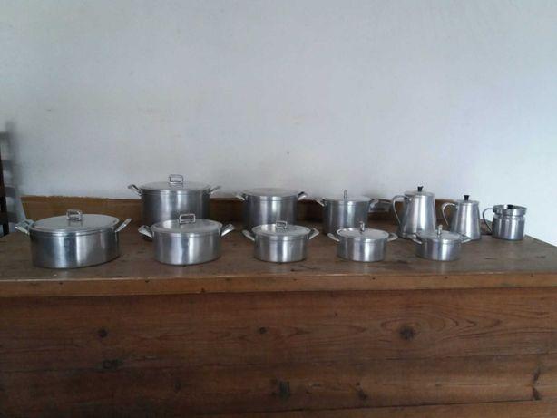 Panelas, tachos e cafeteiras de alumínio fundido
