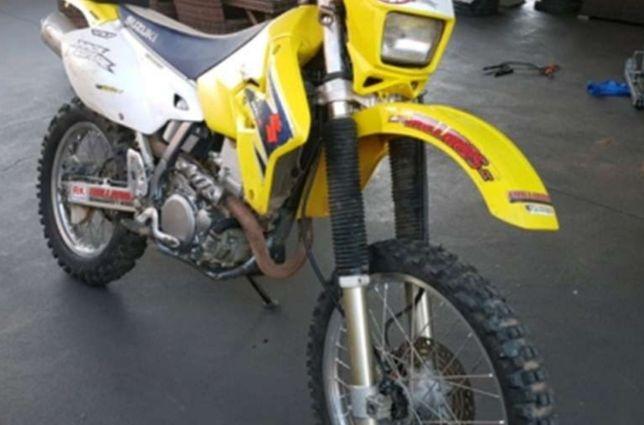 Suzuki DRZ 400 E z kopką i rozrusznikiem na części rama koła lagi