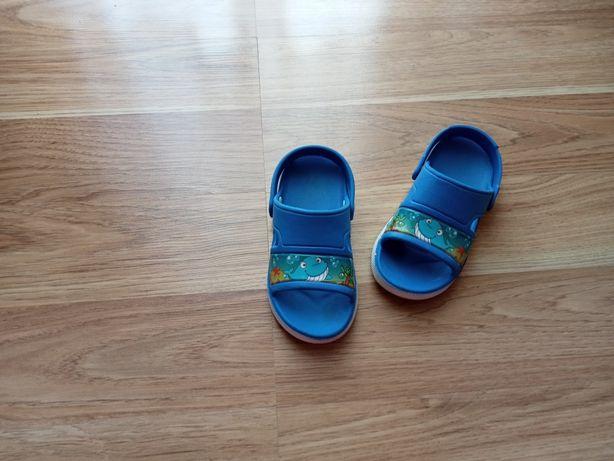 Sandałki/klapki na plażę rozm. 27
