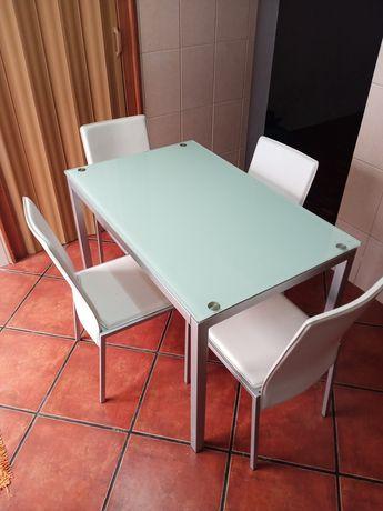 Mesa completa com tampo de vidro