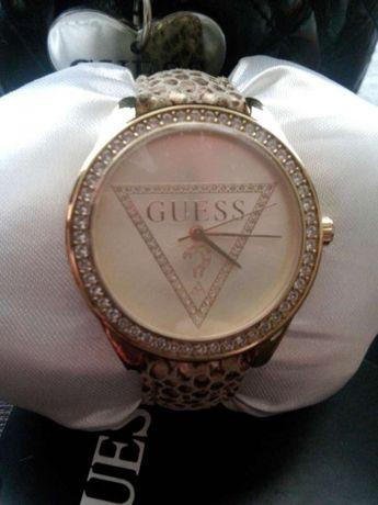 Часы женские.Guess